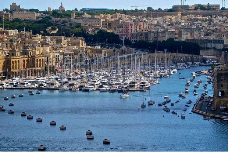 Мальта может ужесточить выдачу «золотых паспортов»
