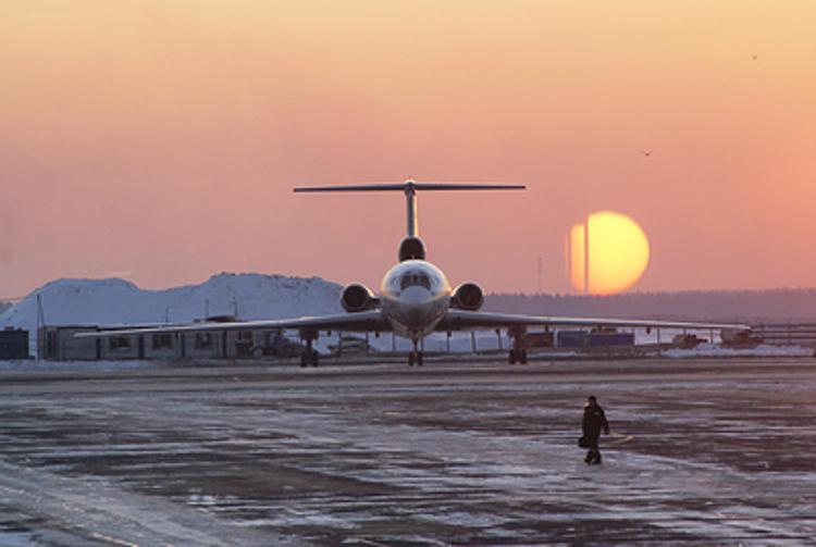 Десятки рейсов задержаны  и отменены из-за непогоды  в аэропортах Москвы