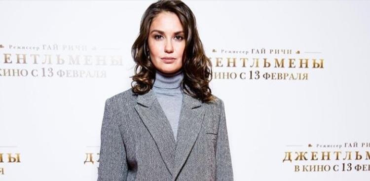 Актриса Агата Муцениеце пытается достучаться до Егора Крида