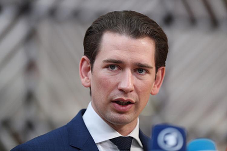 Канцлер Австрии Себастьян Курц призвал  не впадать в панику из-за распространения коронавируса в Италии