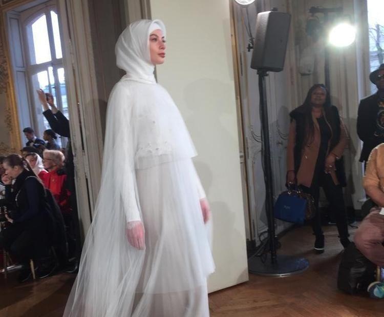 В Париже прошла модельная выставка Айшат Кадыровой