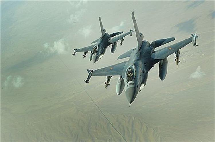 СМИ: турецкие военные пытались сбить самолеты ВКС России в Идлибе