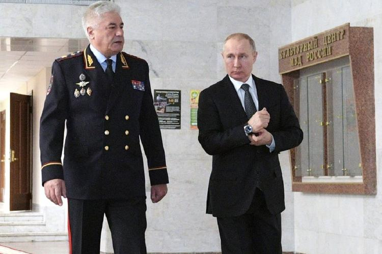 Путин призвал более тщательно следить за качеством подготовки водителей в автошколах