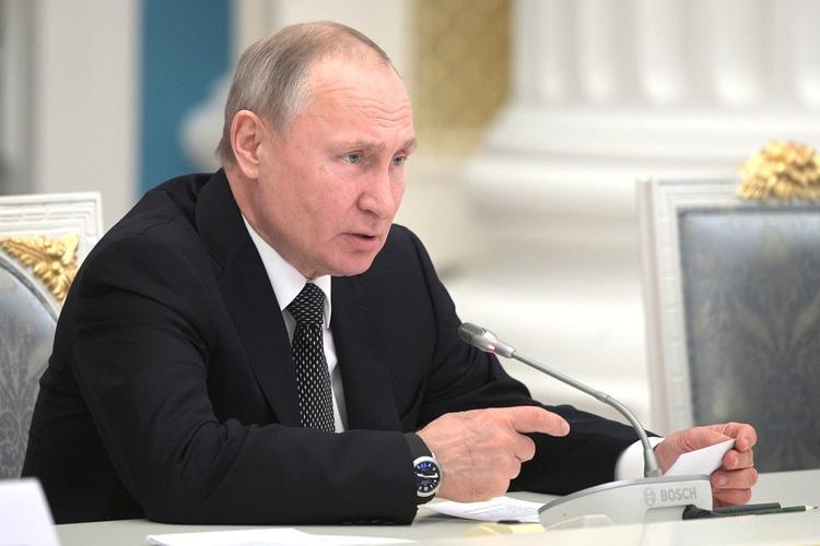 Путин предложил таргетировать бедность и выстраивать политику по повышению доходов людей