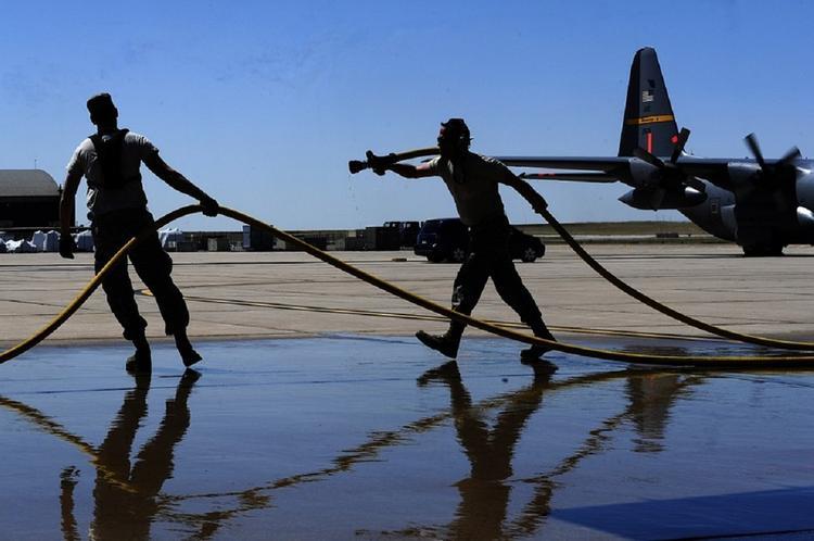Крупнейшую зарубежную военную базу США закрыли из-за коронавируса