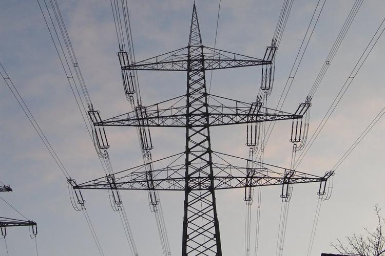 Россияне будут меньше платить за электроэнергию с 2021 года