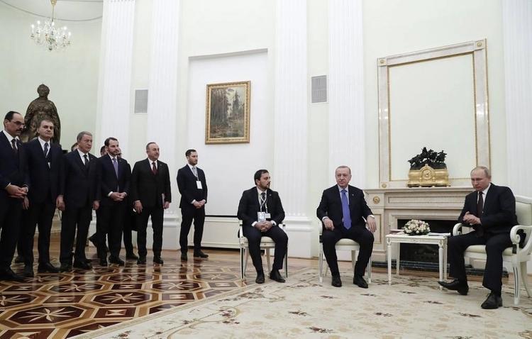 Переговоры с Эрдоганом велись около статуи Екатерины II и картин о русско-турецкой войне