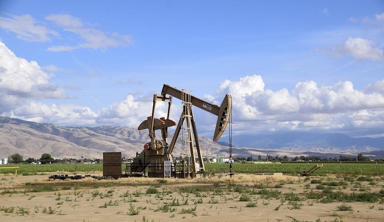 Цены на нефть смогли отыграть треть утреннего падения