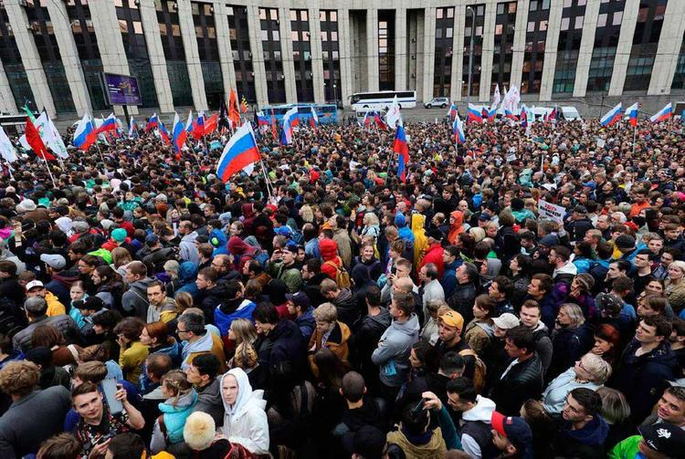 Москва вводит ограничения на массовые мероприятия больше 5 тыс человек