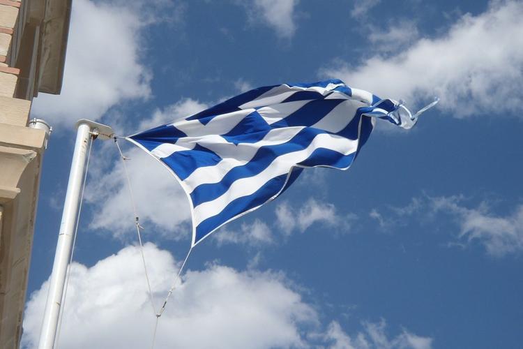 Несколько десятков человек арестовали в Греции за нарушения карантина по коронавирусу