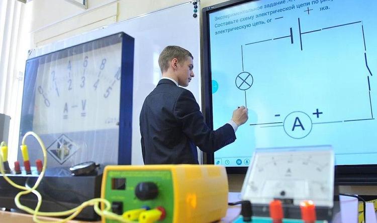 Собянин перевёл учеников городских колледжей на дистанционное обучение