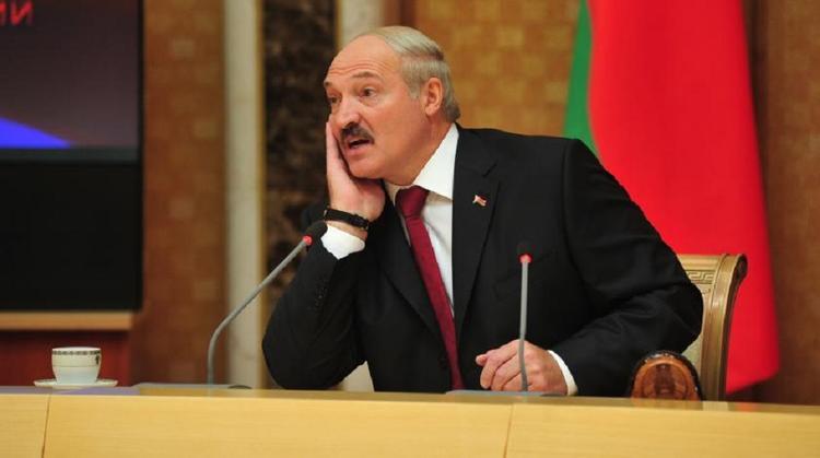 Лукашенко обсудил на совещании договоренности с Россией по нефти