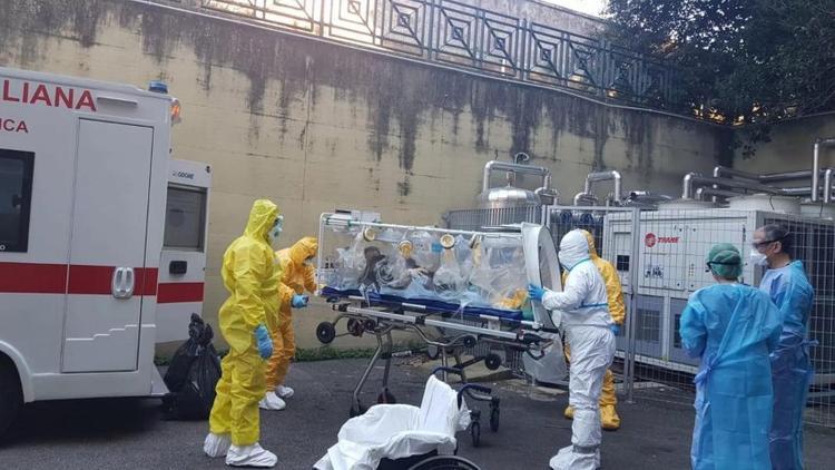 Демократия в условиях эпидемии. Итальянцы отклонились от европейского курса и полюбили российского президента