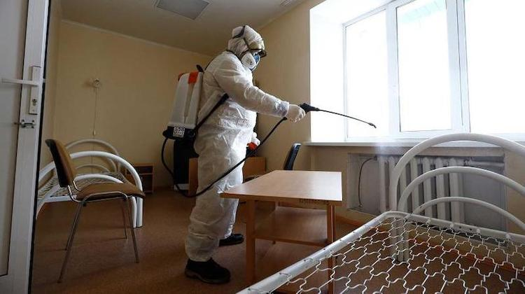 Коронавирус 27 марта: санатории закрываются до июня, у Бориса Акунина обнаружили COVID-19