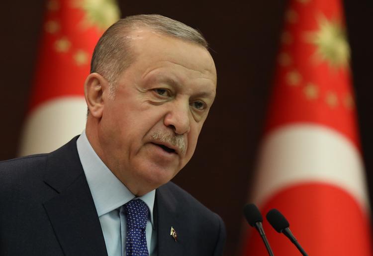 Эрдоган: Турция прекратила авиасообщение с зарубежными странами