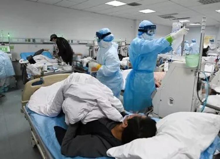 Новости из Коммунарки. В медцентре сейчас находятся 326 пациентов, 70 выписаны