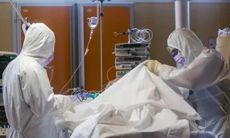 «У медицинской службы тяжелый день. Мы потеряли пациента». Первый случай смерти от коронавируса за пределами Москвы