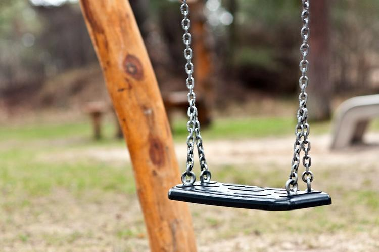В Роспотребнадзоре назвали безопасные места для прогулок с детьми