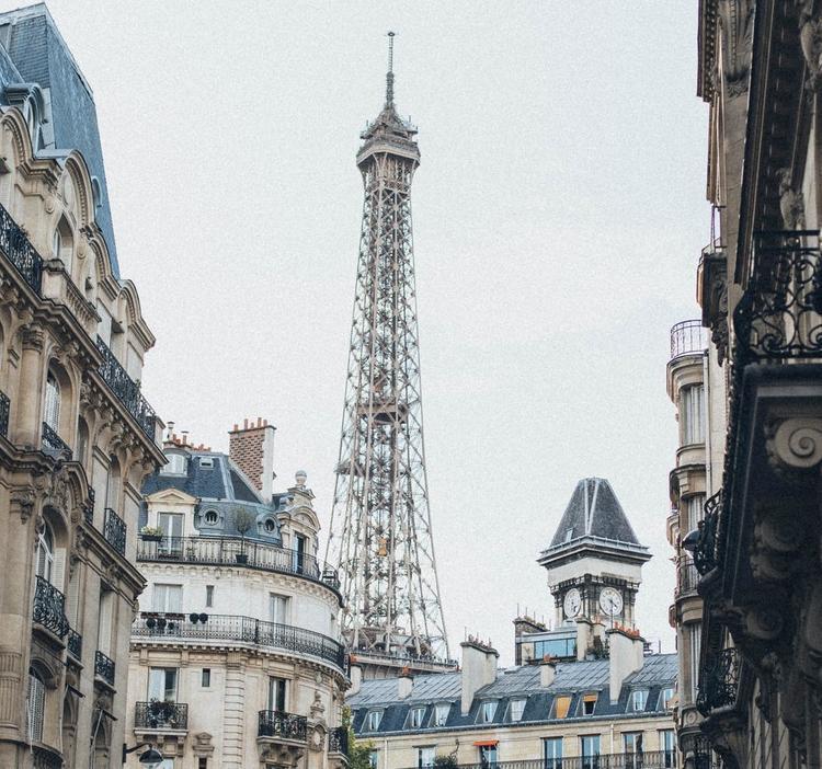 Во Франции  подняли размер штрафа за нарушение карантина по коронавирусу
