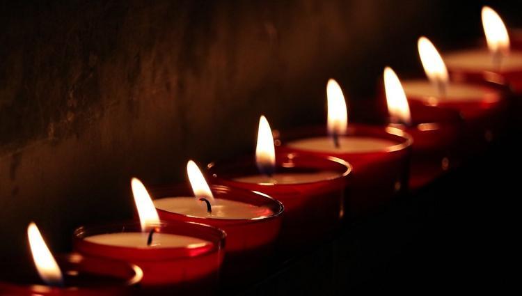 Во Франции от коронавируса умер бывший министр