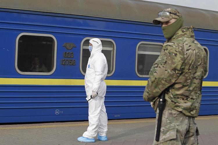 Озвучен прогноз о возможном начале гражданской войны на Украине из-за COVID-19