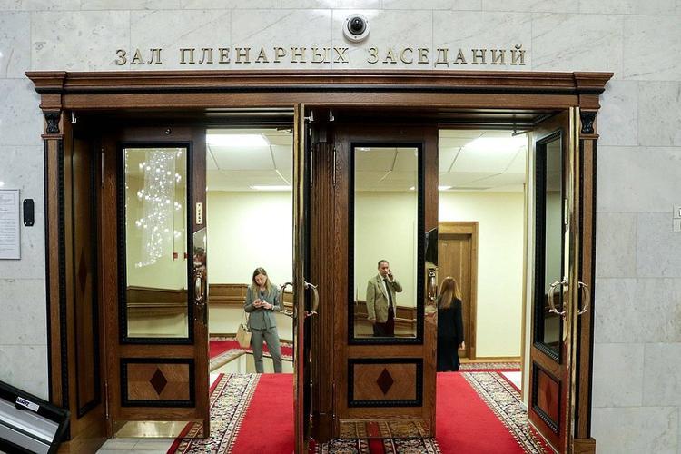 Госдума отложила процесс обязательной предустановки российского ПО на гаджеты