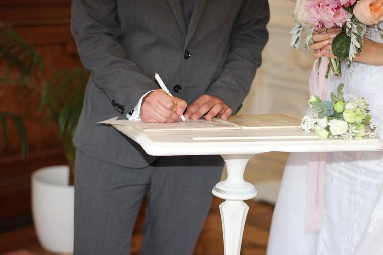 Адвокат: приостановка заключения и расторжения браков – избыточная мера