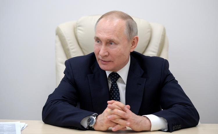 Дмитрий Песков рассказал, что Владимир Путин регулярно тестируется на коронавирус