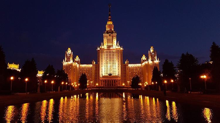 В России передвинут сроки поступления в вузы