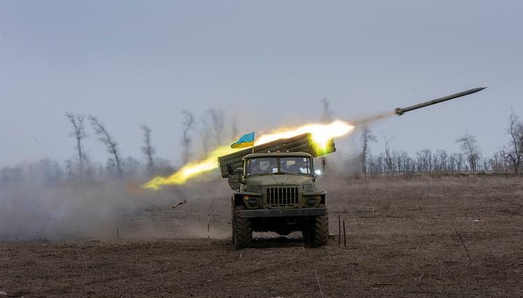 Shark News назвал вероятные признаки подготовки Киева к «новой войне» с ДНР и ЛНР