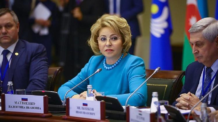 Матвиенко объяснила популярность водки в период пандемии