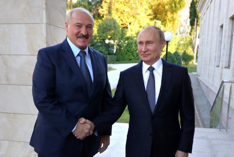 Путин направил Лукашенко поздравления с Днем единения народов России и Белоруссии