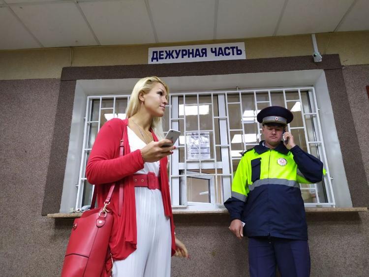Навальнистка Васильева пиарится на фоне распространения COVID-19
