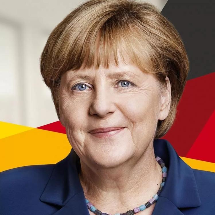 есть фото меркель с мюнтеферинг одну девушек
