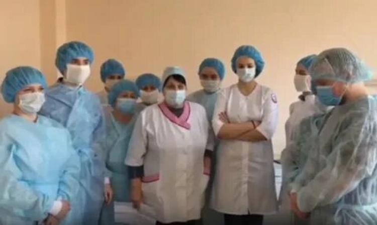 «Мы, сотрудники Покровской больницы, обращаемся за помощью в СМИ. У нас нет лекарств, нет средств защиты», - сообщают медики