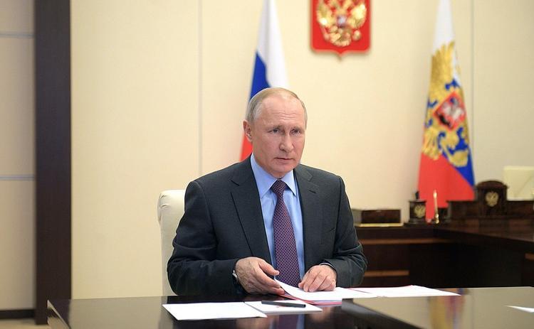 Песков сообщил о продлении дистанционного режима  работы Путина