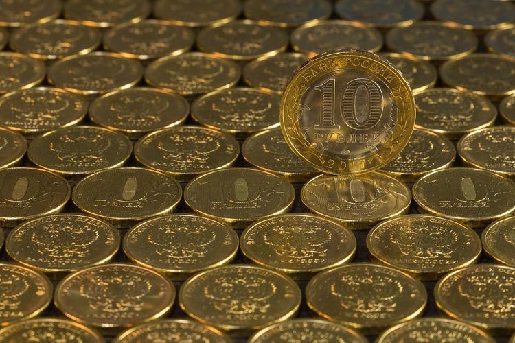 Экономист оценил падение доллара ниже 76 рублей