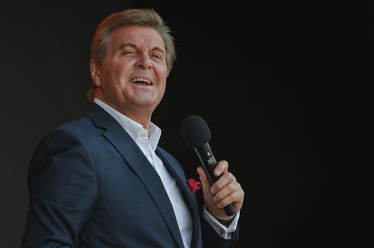 Директор Лещенко рассказал о состоянии певца