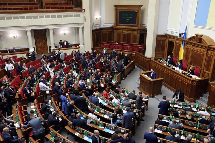 Погребинский заявил о желании депутатов партии Зеленского избавиться от Донбасса