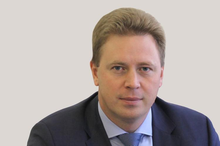 Заместителя главы Минпромторга исключили из «Единой России» после скандала в аэропорту