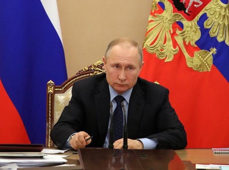 Путин обратился к гражданам страны: «Россия со всем справилась, победим и эту заразу»
