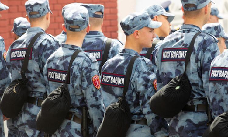 Штаб по борьбе с распространением коронавирусной инфекции: Здание больницы в Армянске оцеплено бойцами Росгвардии