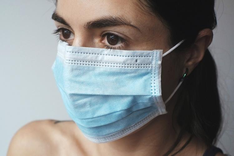 В Германии могут штрафовать водителей в защитных масках