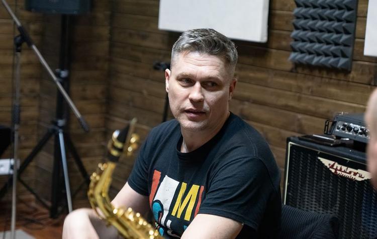 Звезда сериала «Глухарь» Денис Рожков рассказал, что считает главной проблемой самоизоляции