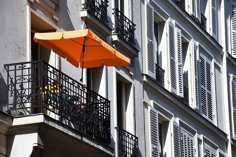 Вильфанд советует москвичам успеть позагорать на балконах
