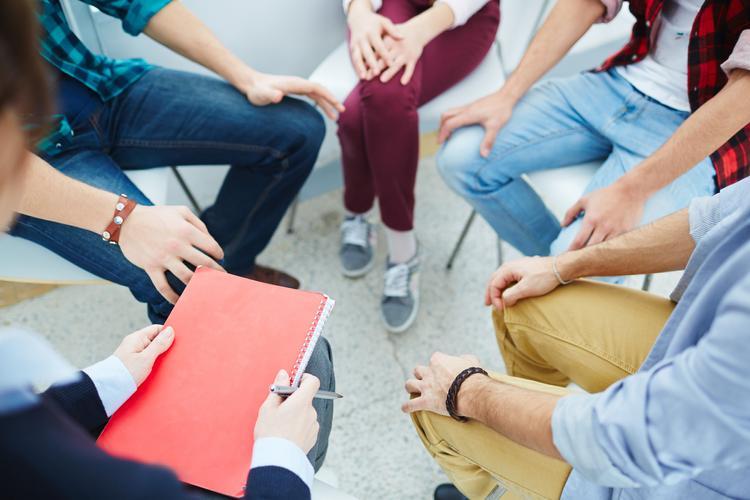 Психологи уникальным методом уменьшают тревогу из-за коронавируса. Это бесплатно