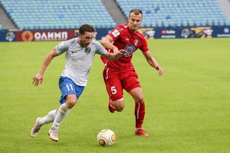 Футболистам клуба «Сочи» раздали беговые дорожки и урезали зарплаты