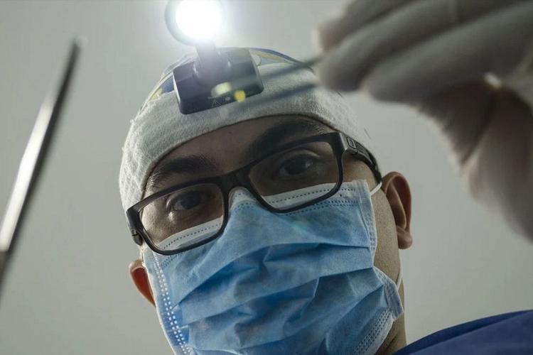 На Сахалине стоматолог проигнорировал карантин и заразился коронавирусом