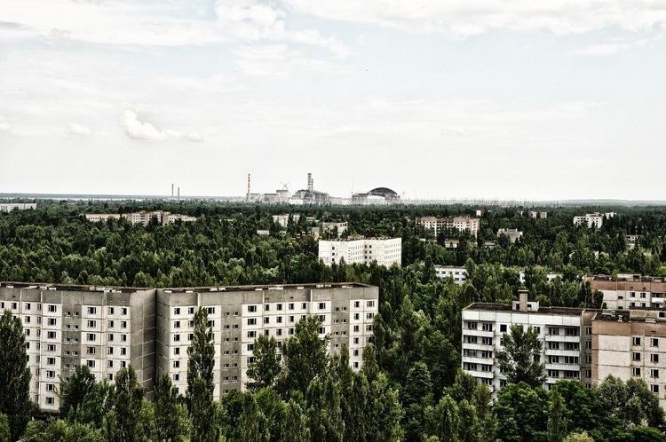 Киевлян просят не открывать окна из-за гари от пожаров в Чернобыльской зоне