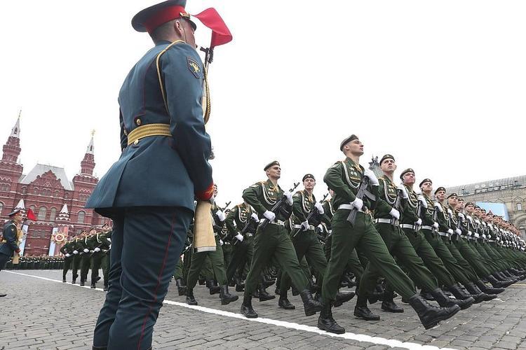 Володин: Решение президента по переносу парада Победы вынужденное, но правильное